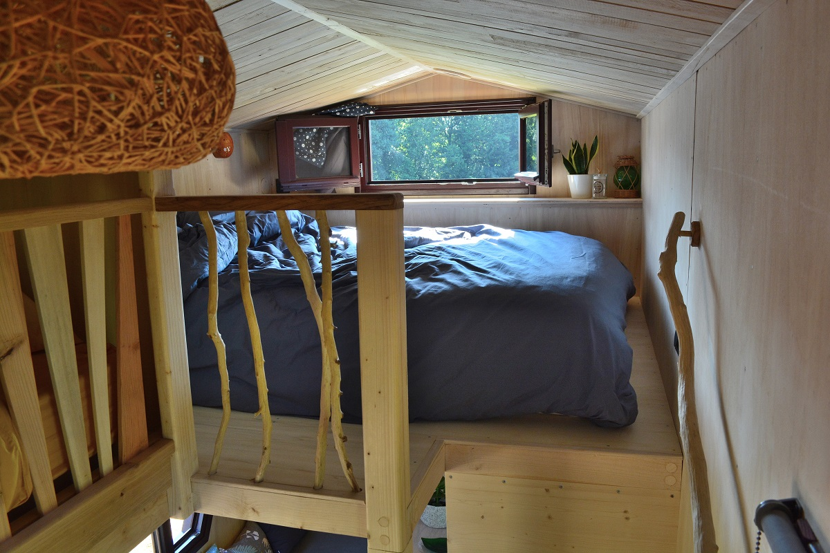 TINY HOUSE RUCHE FONTAINE AIRMETH CHAMBRE LIT DOUBLE.jpg (354 KB)
