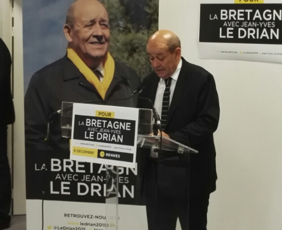 Le Drian démissionne officiellement de la présidence de la région Bretagne