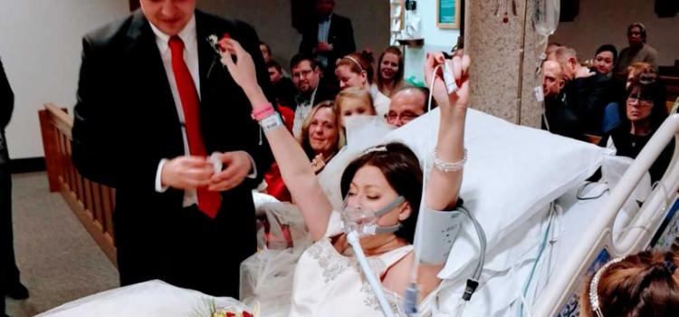 Sur son lit de mort, une femme provoque l\u0027émoi en prononçant ses vœux de  mariage.