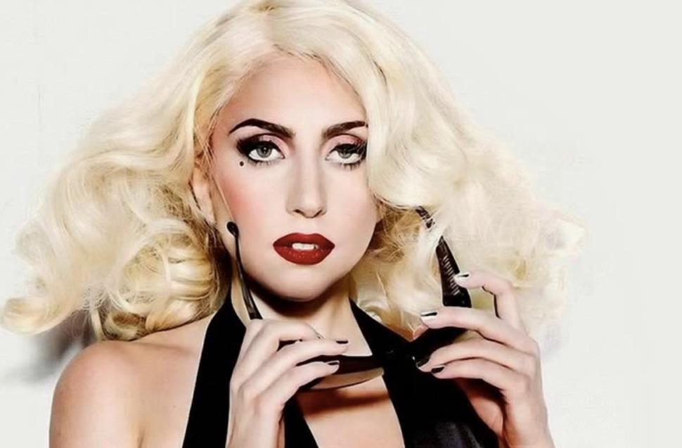Lady Gaga : Céline Dion lui rend un vibrant hommage